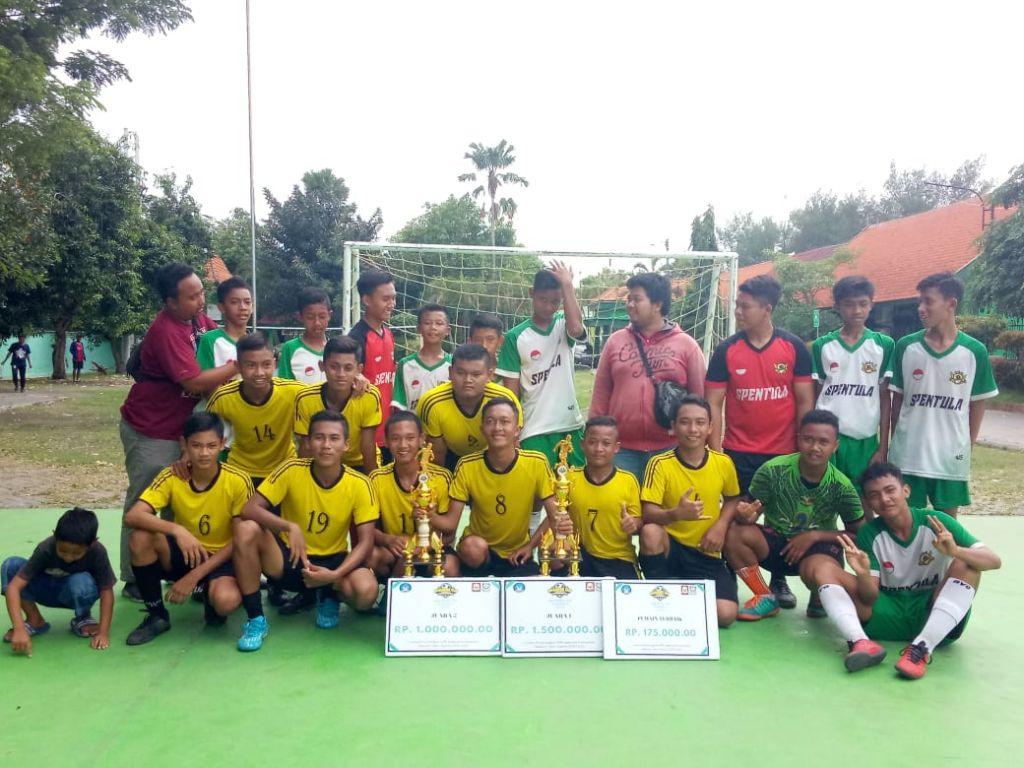 Tim Futsal MTsN 4 Sidoarjo Raih Juara 2 Dalam Kejuaraan SMAN 1 Krembung Cup 2020