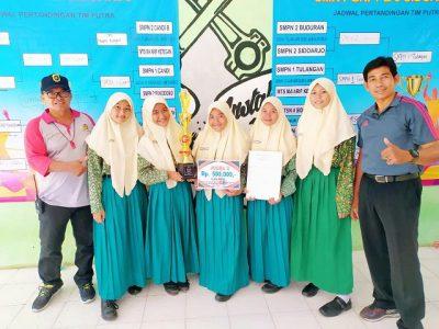 Tim Bola Volly Putri MTsN 4 Sidoarjo Raih Juara 3 Tingkat SLTP/MTs Kabupaten Sidoarjo